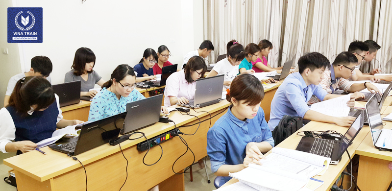 học kế toán thực hành ở Vinatrain