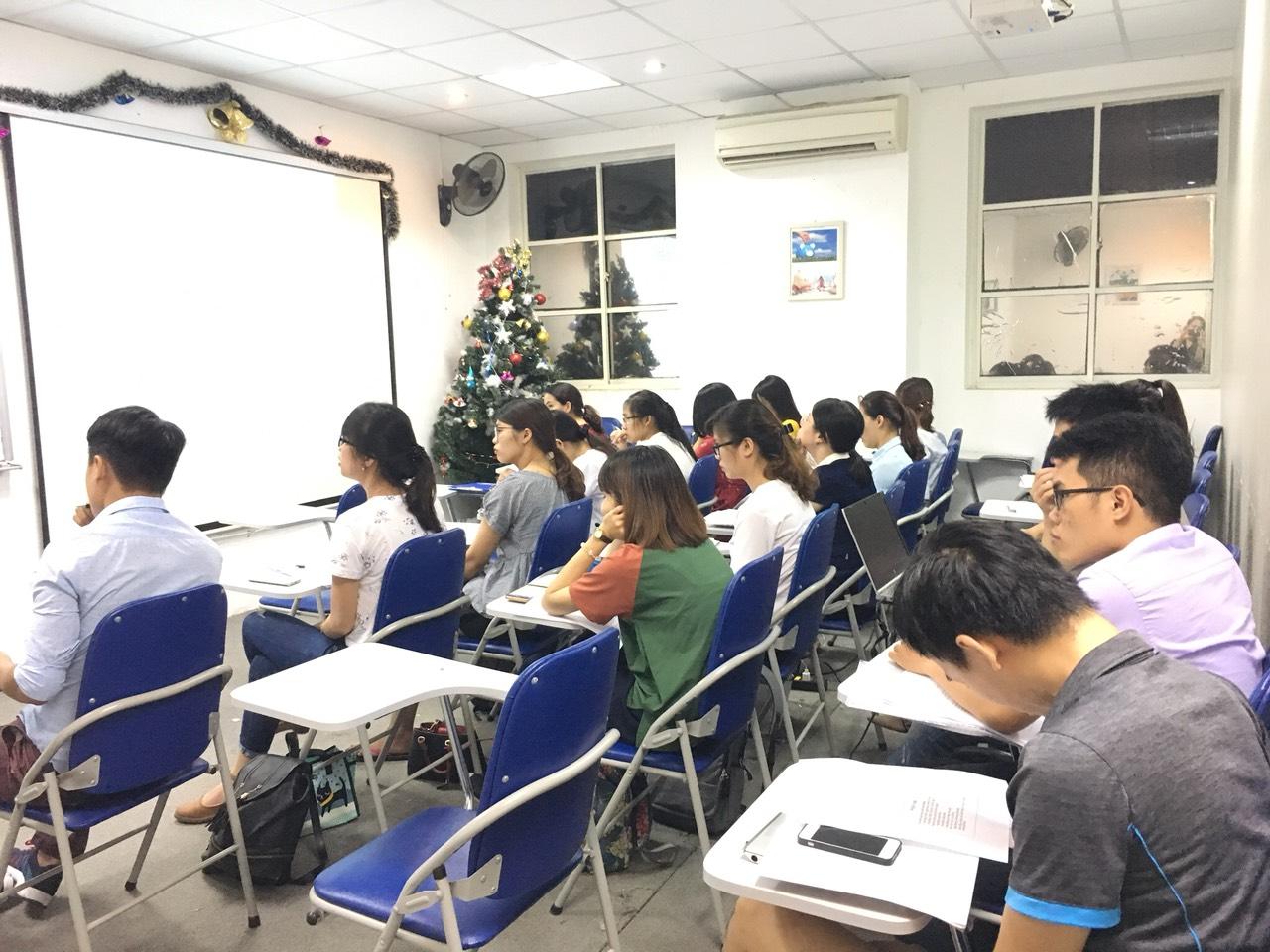 VinaTrain là một trong những trung tâm đào tạo xuất nhập khẩu thực tế hàng đầu tại Việt Nam