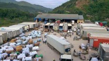 Xuất nhập khẩu tiểu ngạch rất phổ biến tại các cửa khẩu biên giới